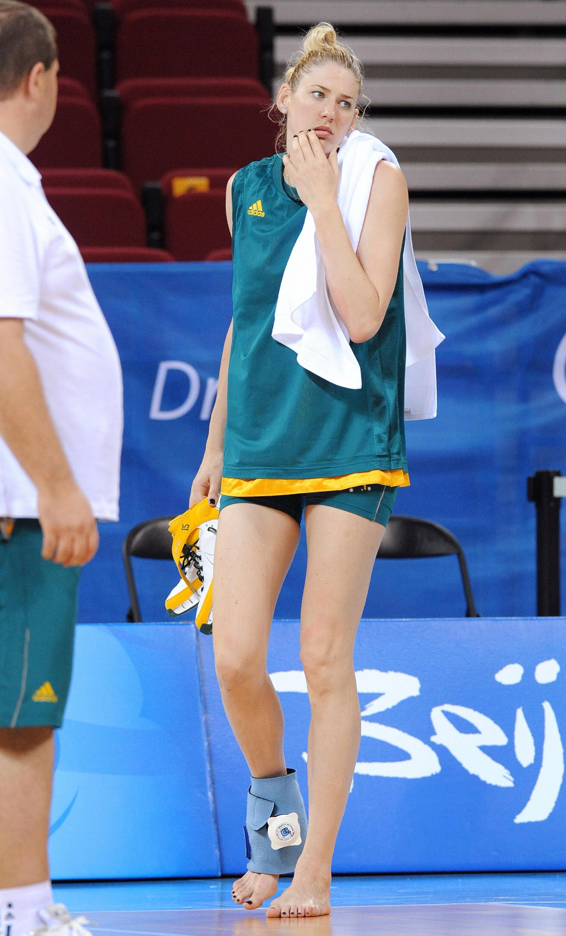 Pretty Girl S Basketball Uniforms