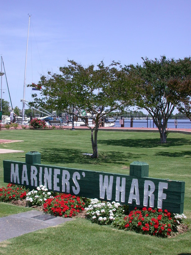 Elizabeth City, NC : This is a shot of the wharf on the ...