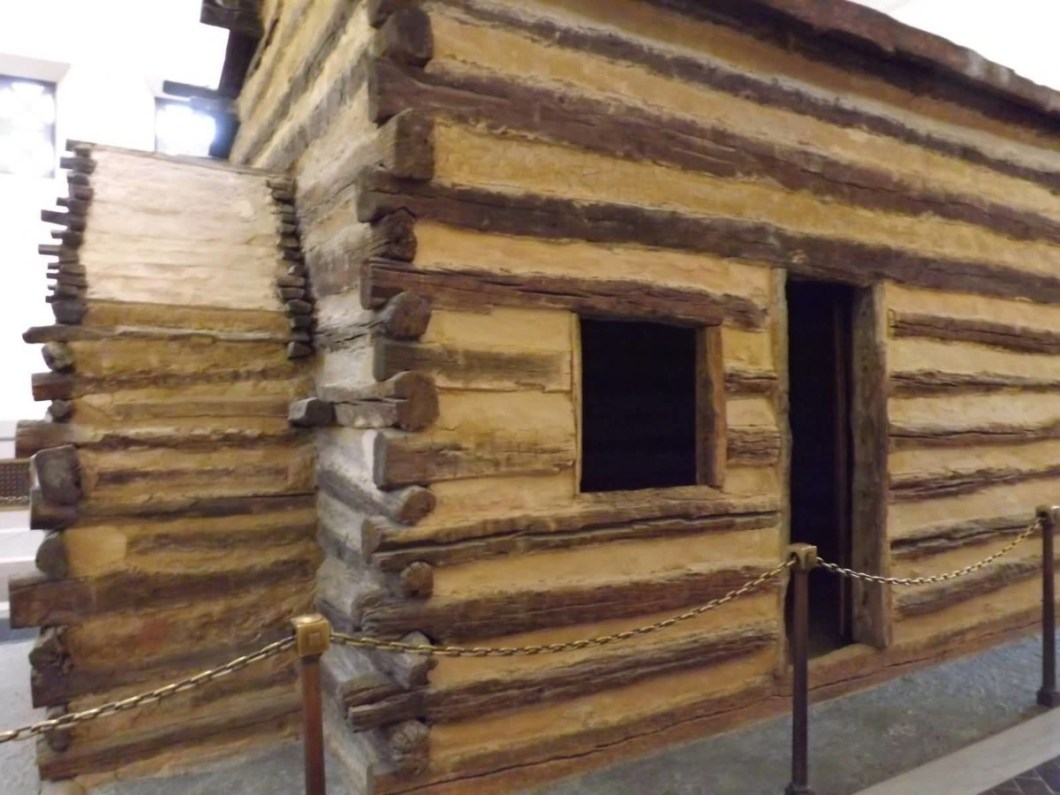 Fantastic Side View Of Log Cabin Inside The Lincoln Memorial For Desktop Wallpaper