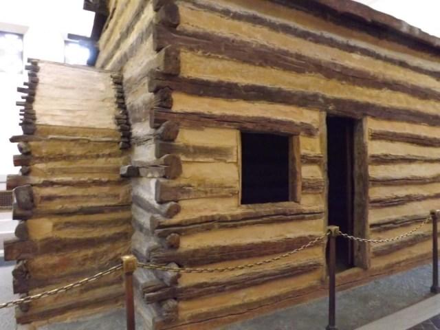 Fantastic Side View Of Log Cabin Inside The Lincoln Memorial For Desktop Wallpaper