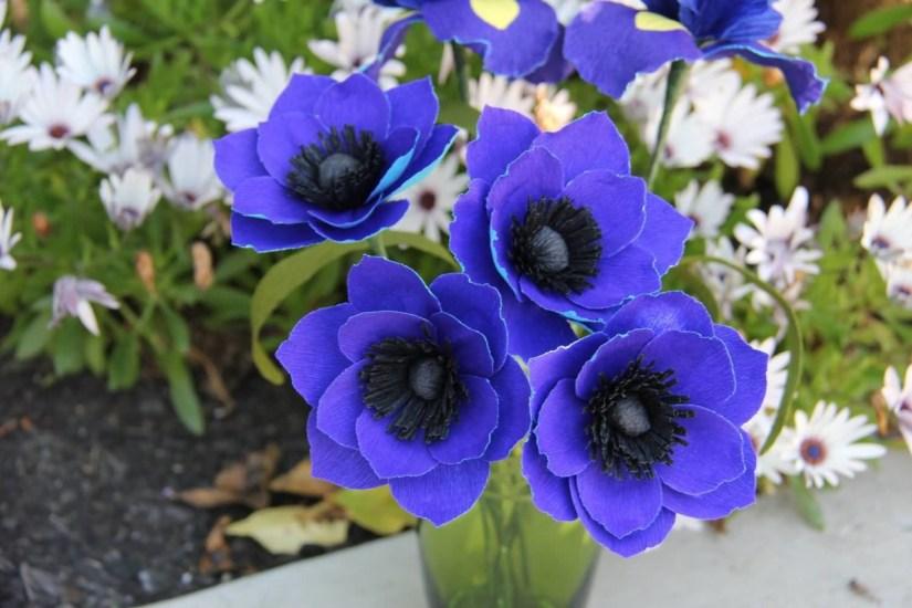 Mind Blowing Blue Anemone Flower Bouquet Wallpaper