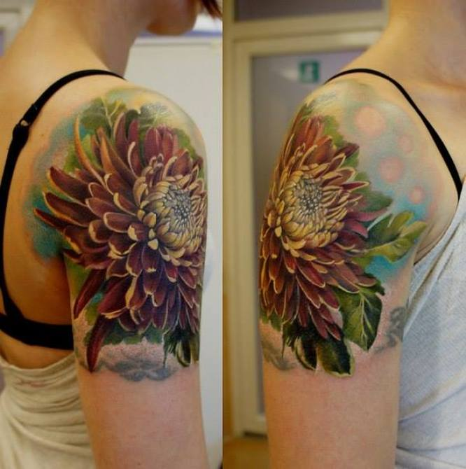 cute 3D chrysanthemum tattoo on shoulder With colourful ink For Man And Woma
