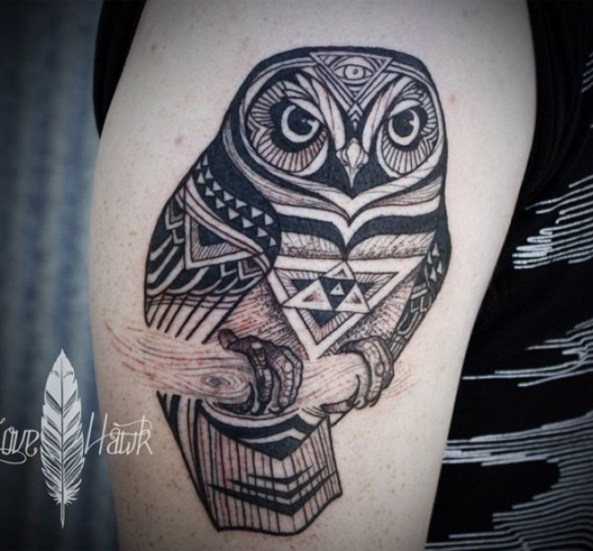 great owl illustration style sleeve tattoo on thigh With Black ink For Man And Woma