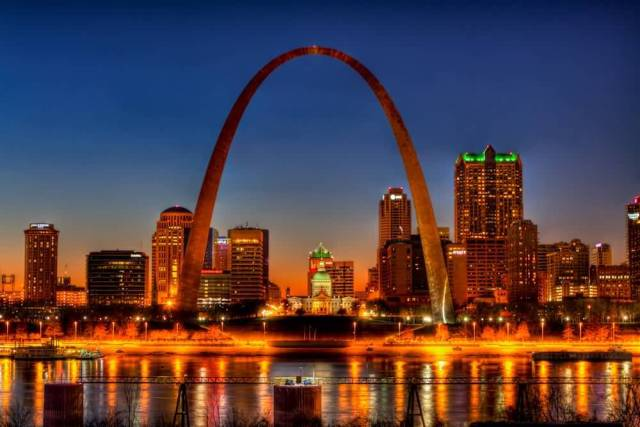 Lovely Red And Yellow Light Combination Of The Gateway Arch Looks Beautiful With Night Lights