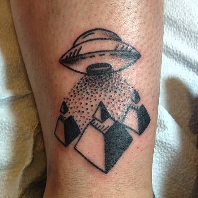 maori black color ink Ufo And Pyramid Tattoo On Leg for boys