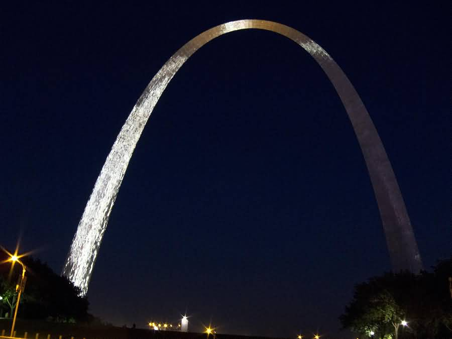 Most Charming Gateway Arch Picture At Night With Beautiful Background
