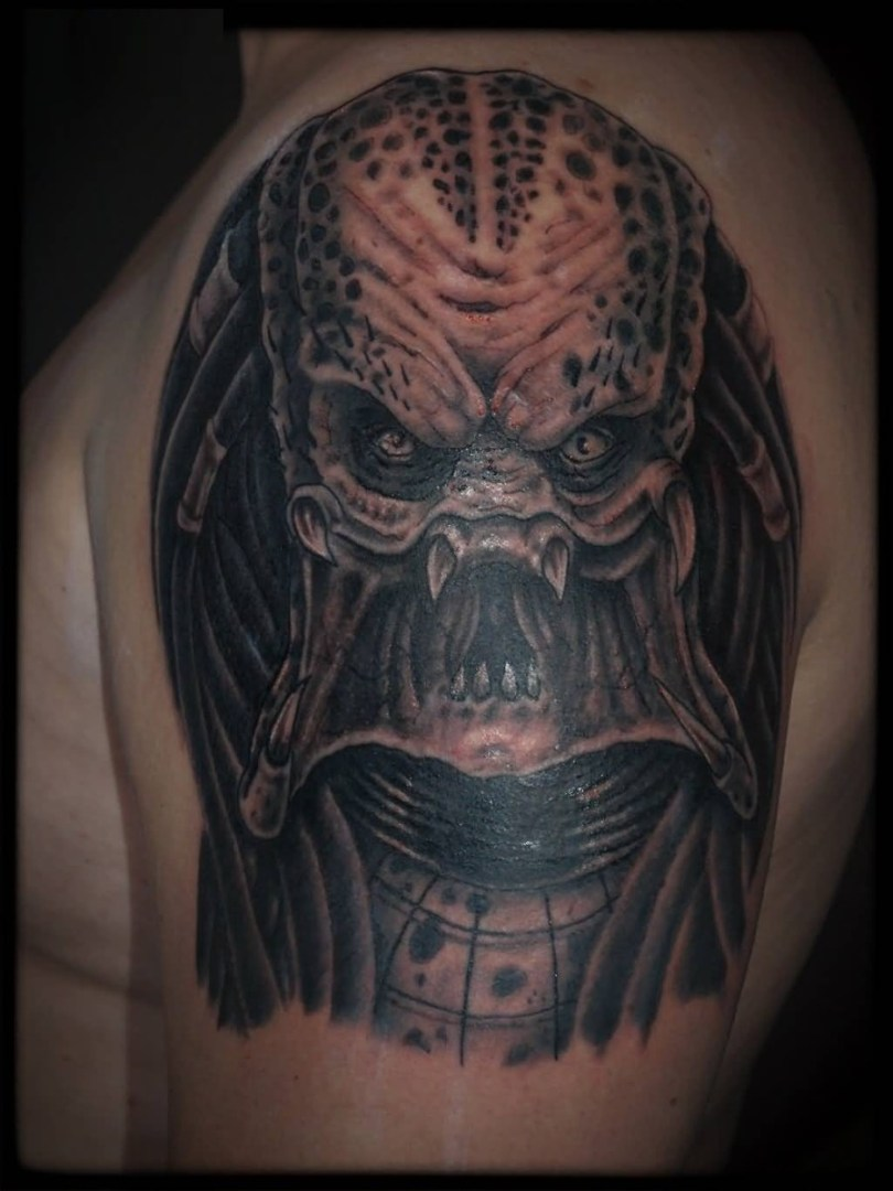 motivational gray color ink Predator Tattoo On Shoulder made for expert