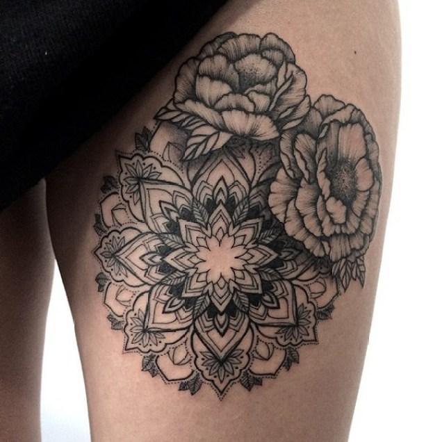 Stunning Pattern Tattoo On Thigh With Black Ink For Man Woman