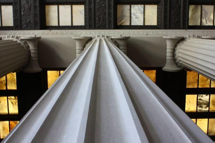 Superb Closeup Of Column Inside The Lincoln Memorial Wallpaper