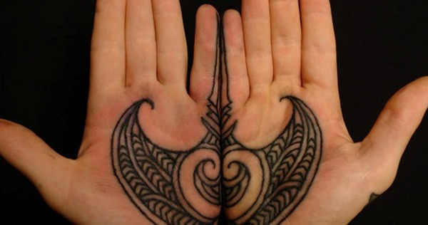 Wonderful Ray Tattoo On Hand With Black Ink For Man And Woman