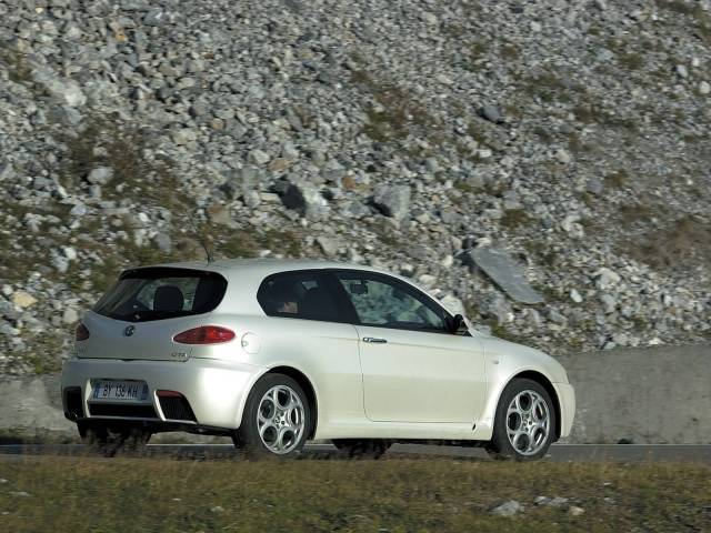 Beautiful Left side of White colour Alfa Romeo 147 GTA Car