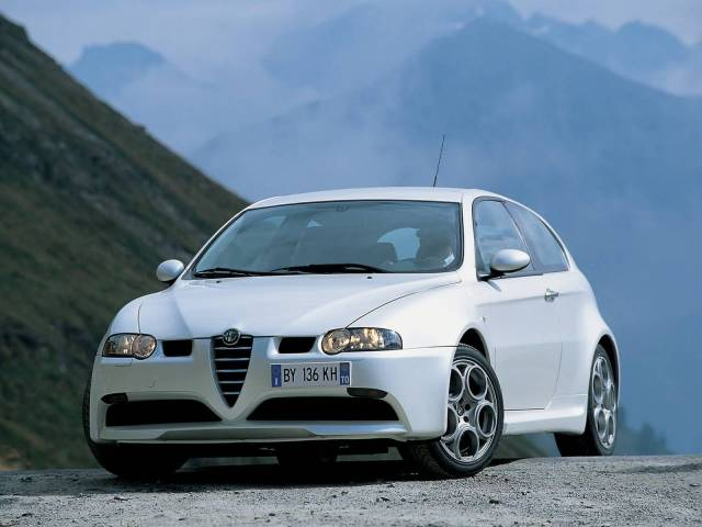 Beautiful front light of White colour Alfa Romeo 147 GTA Car