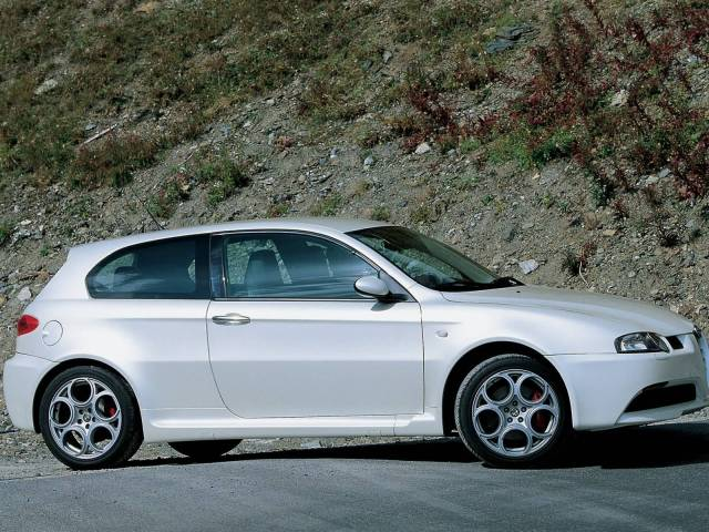 Beautiful right side view of White colour Alfa Romeo 147 GTA Car