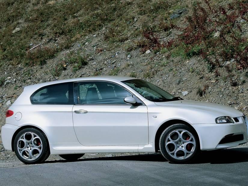 Beautiful right side view of White colour Alfa Romeo 147 GTA Car