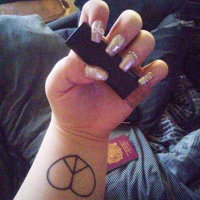 Wrist Tattoo025