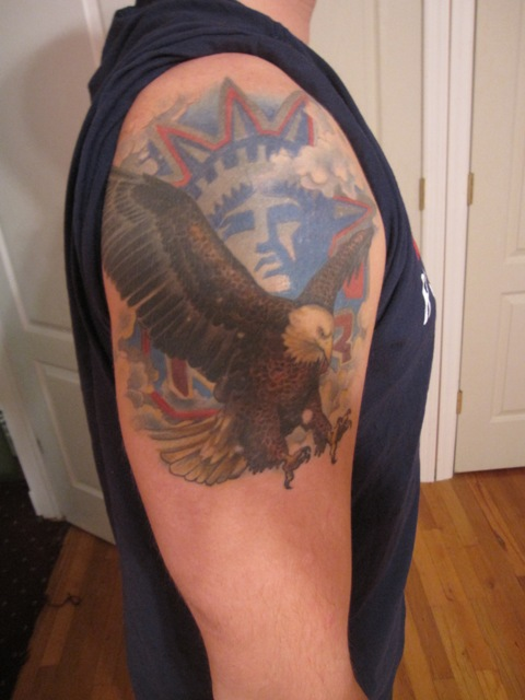 Custom Blue Black And Red Color Ink US Country Symbol Tattoo On Shoulder For Boys