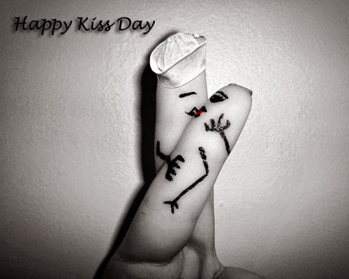 Fabulous Happy Kiss Day Wishes Image