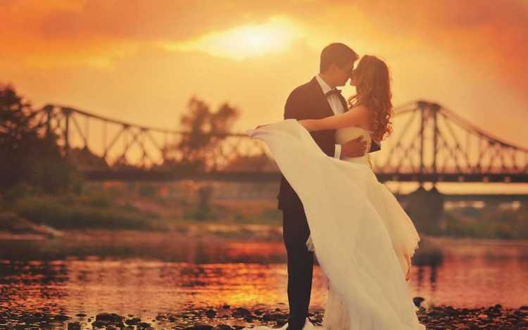 Fantastic Wedding Wishes Couple Wallpaper