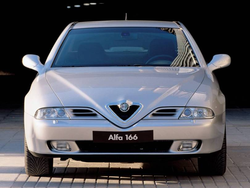 Front side of silver Alfa Romeo 166 Car