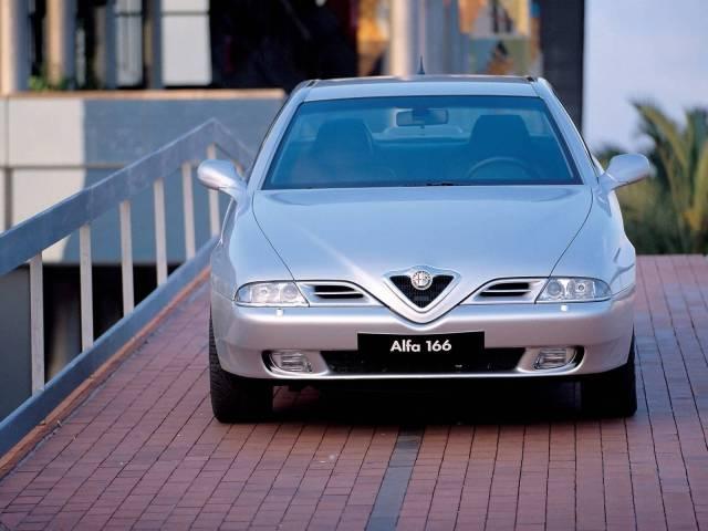 Front side view of beutifull Alfa Romeo 166 Car