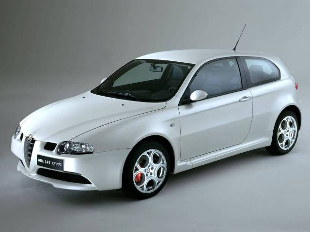 Left side amazing White colour Alfa Romeo 147 GTA Car