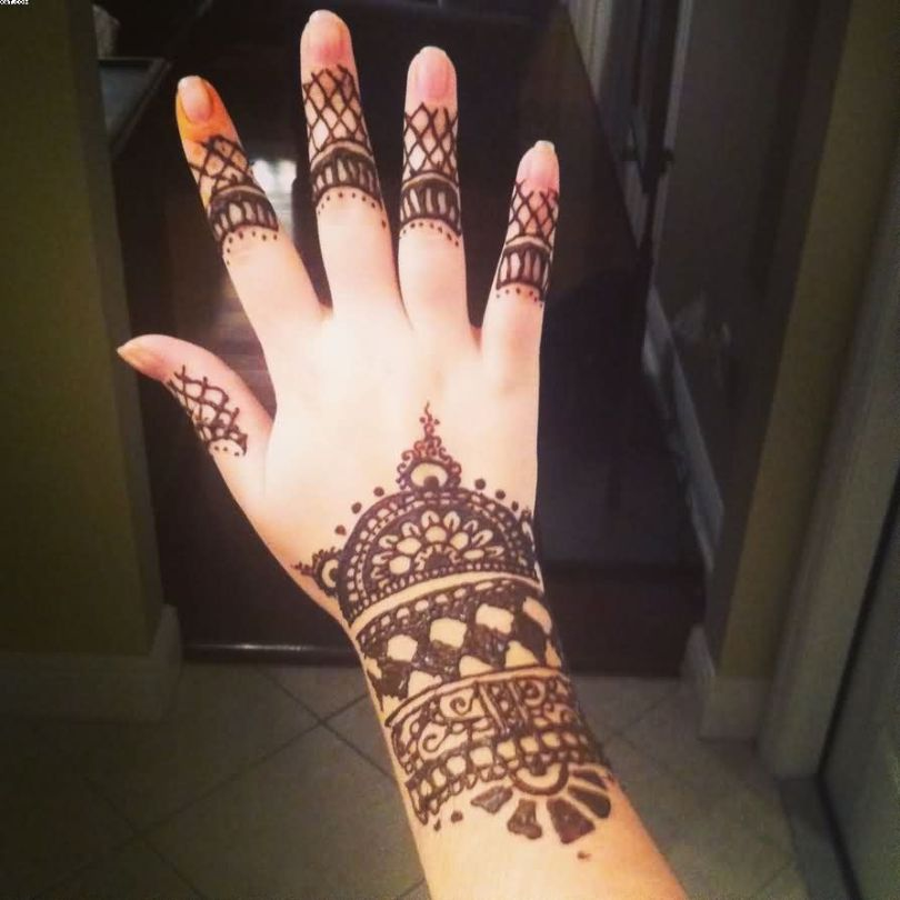 Most Lovely Henna Full Wrist Tattoo With Fingers And Hand For Girls