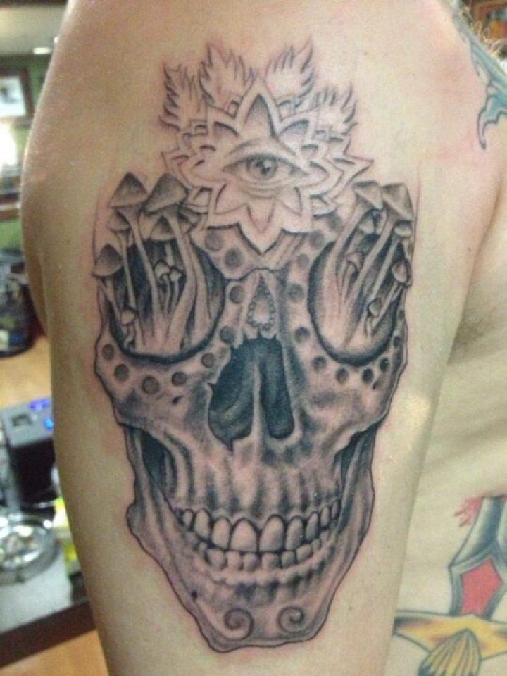 Popular Black And Red Color Ink Death Skull Tattoo On Shoulder For Boys