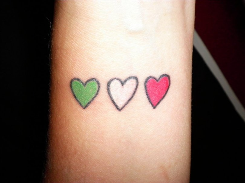 Realistic Gren Black And Red Color Ink Italian Country Hearts Tattoo Designs Fo Boys
