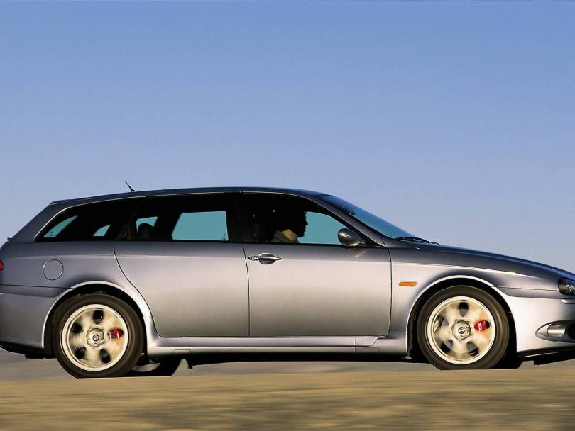 Right side of silver colour Alfa Romeo 156 GTA Car