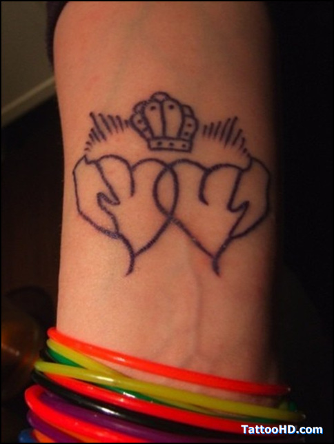 Trendy Black Color Ink Claddagh Tattoo For Girls