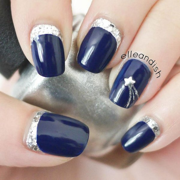 Amazing Blue Nail With Silver Color Inner Line