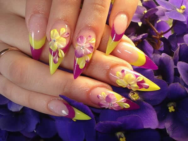 Amazing Sharp Tip With Two Color 3D Nail Art