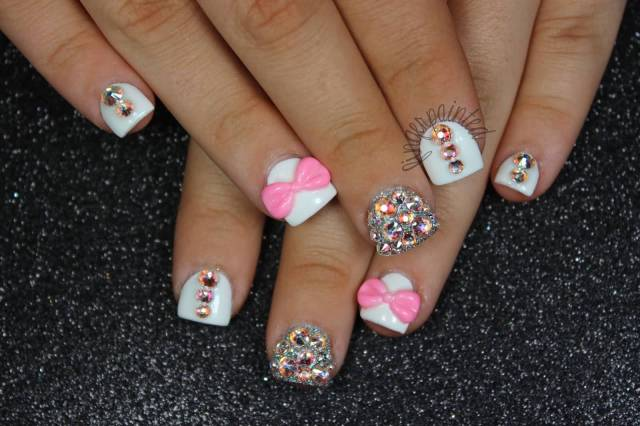 Amazing White Paint With Bow And Sliver Paint Acrylic Short Nail Design