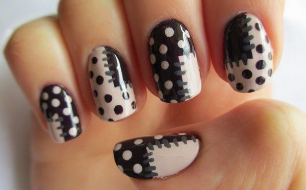 Awesome Black And White Nails With Dotted Design