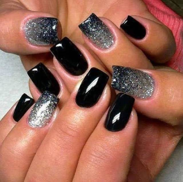 Awesome Black Nail Art Design With Silver Color Paint