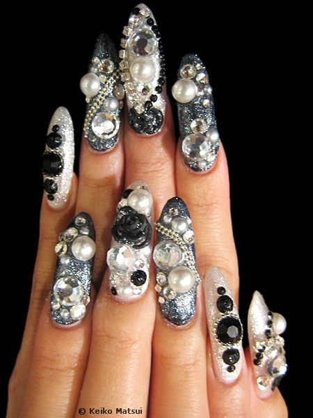 Beautiful Black Paint Nail Art 3D Nail Art