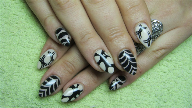 Best Ever Black And Beige Nail Art With 3 Different Design