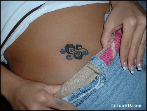 Charming Hip Tattoo For Girls