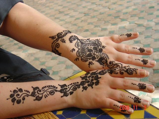Crazy Henna Hand Tattoo Designs For Girls