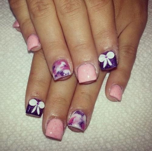Dashing Bow In White Color And Baby Pink color Acrylic Short Nail Design