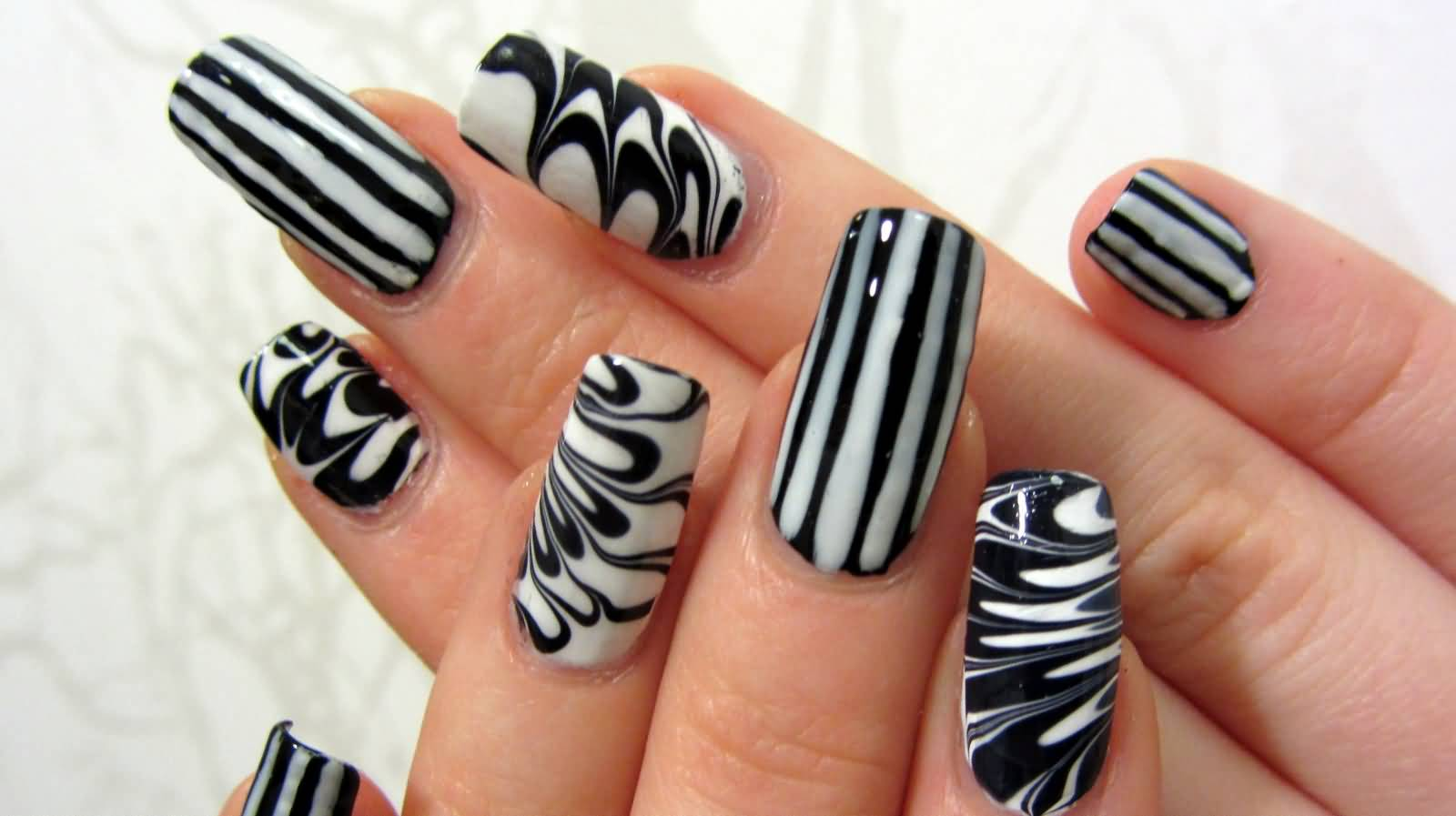 1600 897 In 55 Tremendous Black And White Nail Art Designs