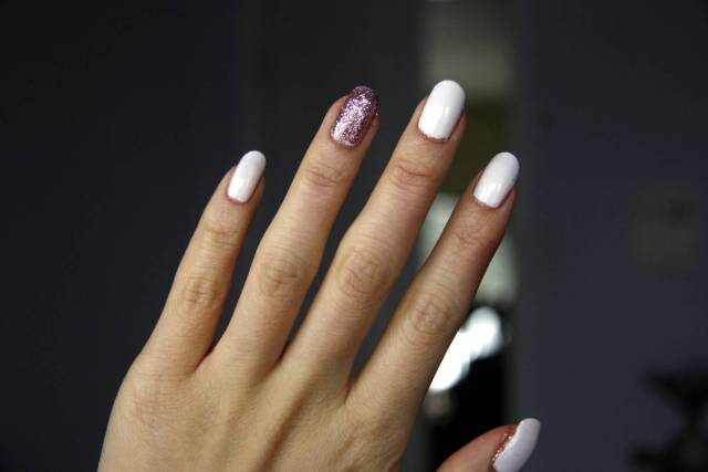 Eye Catching White And Dark Pink Glitter Accent Nail Art