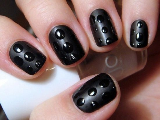 Fabulous Black Nail Art With 3D Design