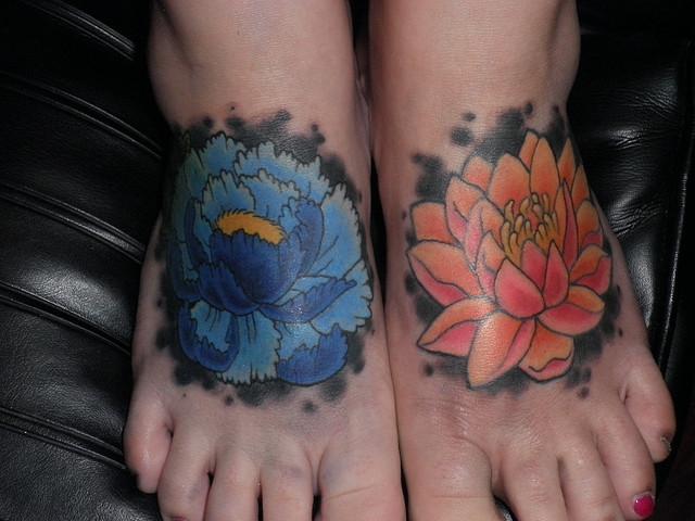 Fabulous Flower Tattoo Designs On Feet For Girls