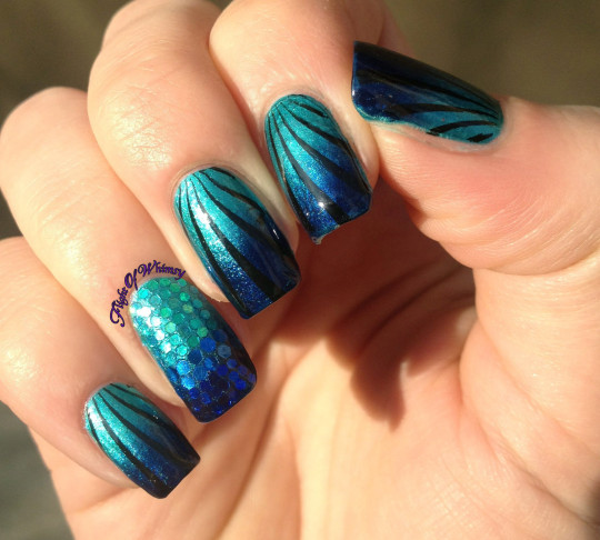 Fantastic Blue Nail Art With Dark Blue Color