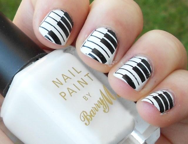 Fantastic Piano Design Black And White Nails