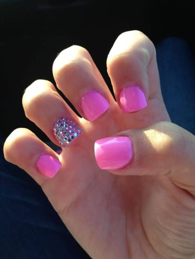 Glossy Pink Color Nail Paint Accent Nail Art