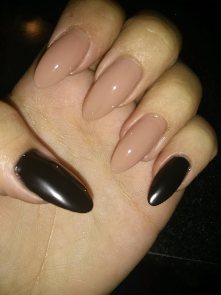 Great Black And Beige Nail Art With Full Cover Design