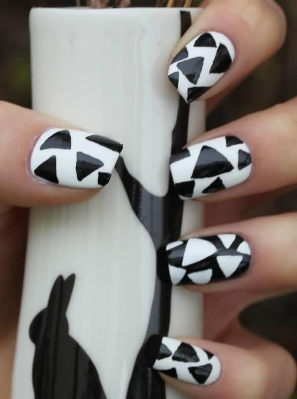 Great Black And White Polka Dot Nail Art With Pizza Cutting Design