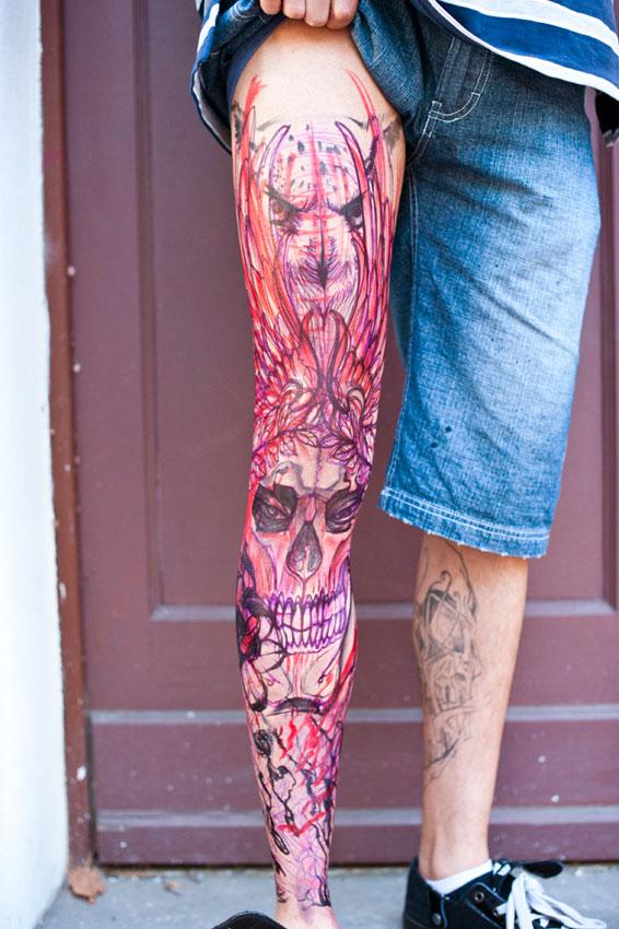 Impressive Horror Skull Tattoo On Right Leg For Boys